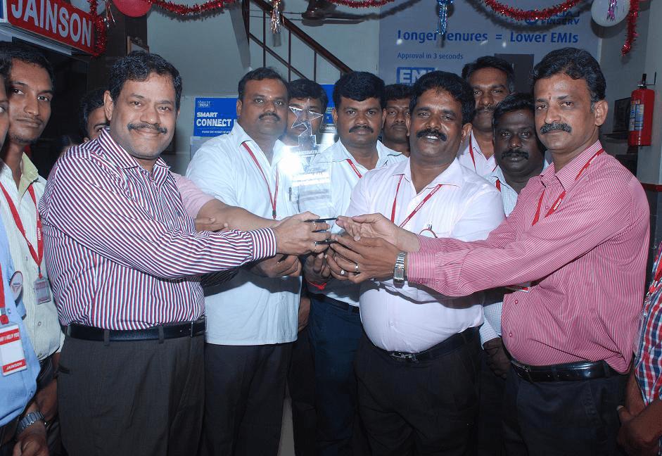 Nakshatra Showroom Award – Viveks
